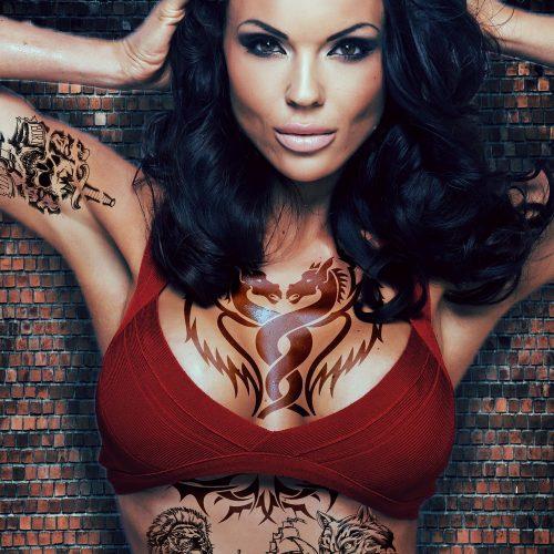 ragazza tatuaggio